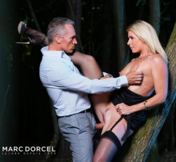 India Summer - Voyeur Moment In The Woods (2019) 1080p