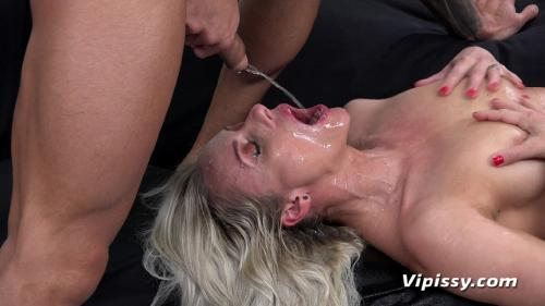 VIPissy 19 05 13 Brittany Bardot Wet Therapy XXX 1080p MP4-KTR